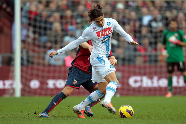 GENOA, ITALY - NOVEMBER 11: Edinson Cavani of SSC Napoli in action during the Serie A match between Genoa CFC and SSC Napoli at Stadio Luigi Ferraris on November 11, 2012 in Genoa, Italy.  (Photo by Gabriele Maltinti/Getty Images)