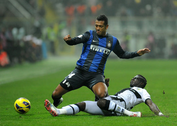 Acquah dispossesses Inter's Fredy Guarin