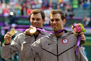 Bob and Mike Bryan with Olympic gold medals
