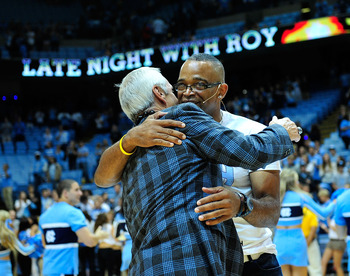 Cancer fighter Stuart Scott embraces Roy Williams at UNC. Notice the LIVESTRONG bracelet on his right wrist.