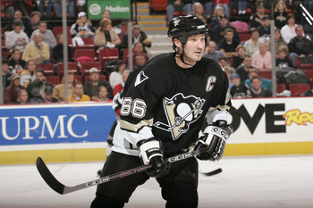 Despite missing two months to undergo radiation, Mario Lemieux still won the Hart Memorial Trophy in 1993.