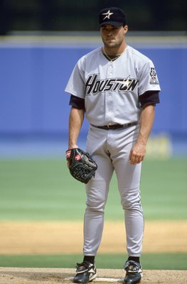 Mike Hampton pitching in perhaps the best looking Astros uniform ever