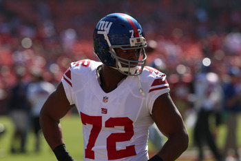 DE Osi Umenyiora was worthless in Week 13.