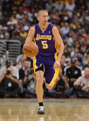 LOS ANGELES, CA - OCTOBER 24:  Steve Blake #5 of the Los Angeles Lakers dribbles up court during the game against the Los Angeles Clippers at Staples Center on October 24, 2012 in Los Angeles, California.  NOTE TO USER: User expressly acknowledges and agr