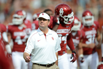 Bob Stoops needs to make moves in the recruiting front, but there's still time.