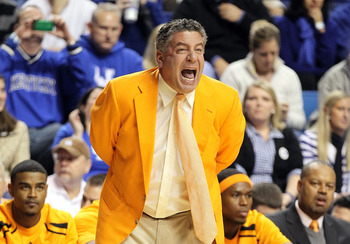 Bruce Pearl and Cuonzo Martin have continued the orange blazer tradition began by Ray Mears