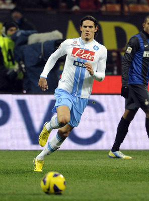 MILAN, ITALY - DECEMBER 09:  Edinson Cavani of SSC Napoli during the Serie A match between FC Internazionale Milano and SSC Napoli at San Siro Stadium on December 9, 2012 in Milan, Italy.  (Photo by Claudio Villa/Getty Images)
