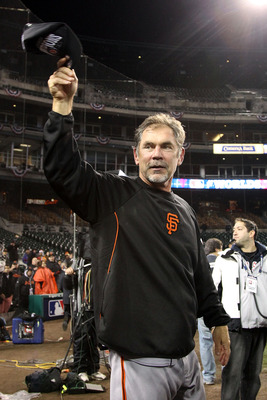 Bruce Bochy tips his cap to Giants fans in Detroit after the World Series triumph.