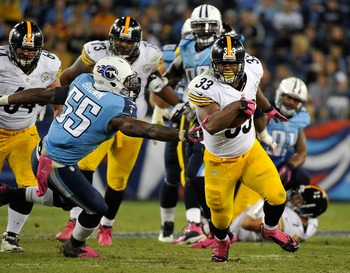 NASHVILLE, TN - OCTOBER 11:  Zach Brown #55 of the Tennessee Titans misses tackling Isaac Redman #33 of the Pittsburgh Steelers at LP Field on October 11, 2012 in Nashville, Tennessee.  (Photo by Frederick Breedon/Getty Images)