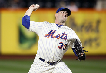 NEW YORK, NY - SEPTEMBER 19:  Matt Harvey #33 of the New York Mets pitches against the Philadelphia Philles at Citi Field on September 19, 2012 in the Flushing neighborhood of the Queens borough of New York City.  (Photo by Alex Trautwig/Getty Images)