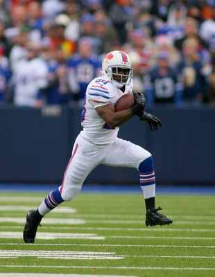 ORCHARD PARK, NY - DECEMBER 09: C.J. Spiller #28 of the Buffalo Bills runs against the St. Louis Rams at Ralph Wilson Stadium on December 9, 2012 in Orchard Park, New York. (Photo by Rick Stewart/Getty Images)