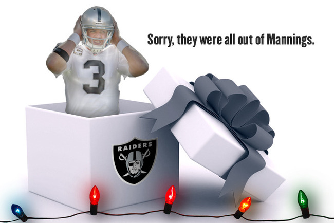 31-holidaycards-raiders_crop_650