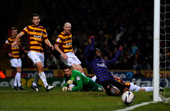 Gervinho misses an open goal against Bradford