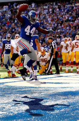 RB Ahmad Bradshaw celebrates against Washington.