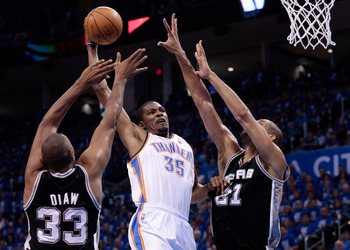 Underrated dunker alert. Kevin Durant is really freakin' good.