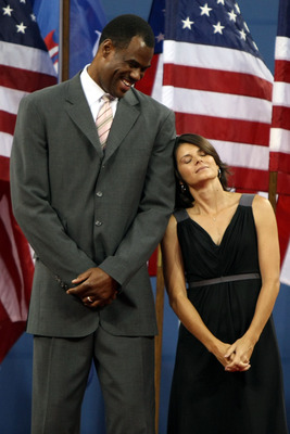 NEW YORK - AUGUST 31:  David Robinson and Mia Hamm look on during the Opening Ceremony of the 2009 U.S. Open at the USTA Billie Jean King National Tennis Center on August 31, 2009 in Flushing neighborhood of the Queens borough of New York City.  (Photo by