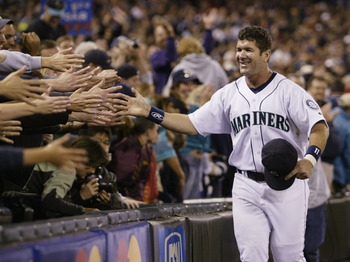 Edgar Martinez received 27.2% of the vote.