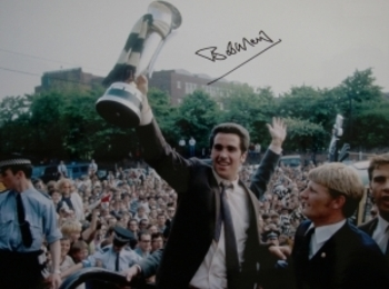 Captain Bob Moncur lifts The Inter-City Fairs Cup
