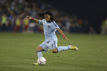 Sporting Kansas City's Roger Espinoza will sign for Wigan in January