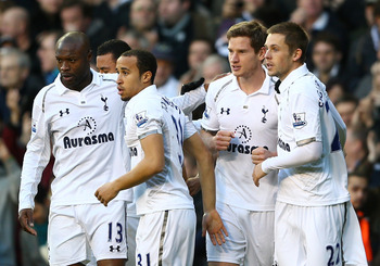 Jan Vertonghen celebrates his winner against Swansea on Sunday