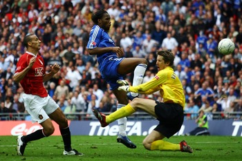 Didier Drogba scores Chelsea's winning goal in the 2007 FA Cup final