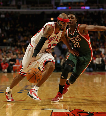 CHICAGO, IL - NOVEMBER 26:  Richard Hamilton #32 of the Chicago Bulls drives against Doron Lamb #20 of the Milwaukee Bucks at the United Center on November 26, 2012 in Chicago, Illinois. The Bucks defeated the Bulls 93-92. NOTE TO USER: User expressly ack