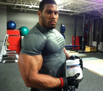 Laron-landry-ripped-muscles-530x471_display_image