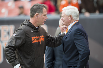Head coach Pat Shurmur with Browns owner Jimmy Haslam III