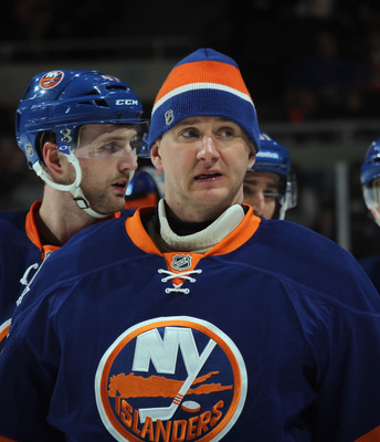 Evgeni Nabokov is leading the Islanders to the top of their division.