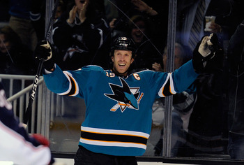 Joe Thornton celebrating a goal.