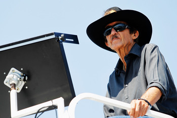 RICHMOND, VA - SEPTEMBER 07:  Team owner Richard Petty watches practice for the NASCAR Sprint Cup Series Federated Auto Parts 400 at Richmond International Raceway on September 7, 2012 in Richmond, Virginia.  (Photo by Todd Warshaw/Getty Images)