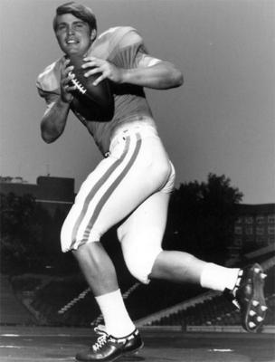 QB Bobby Scott led the way for the Vols against Air Force.