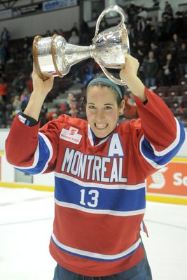 Caroline Ouellette is aiming to raise the Clarkson Cup for the fourth time in her career (Image from http://www.carolineouellette.ca/?page_id=450&lang=en-us)