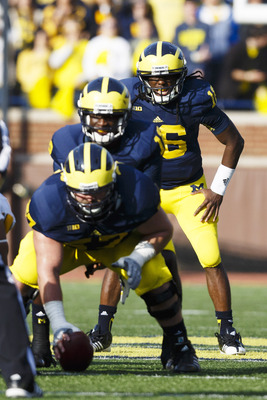 Devin gardner Under Center with Denard Robinson at Tailback