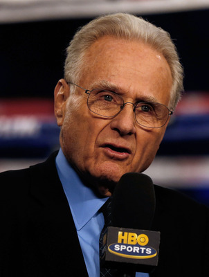 Larry Merchant doing what he did best.