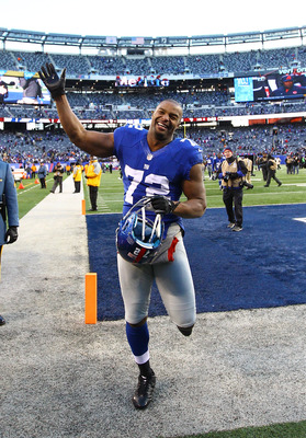 DE Osi Umenyiora finished the 2013 season with only 6 sacks.