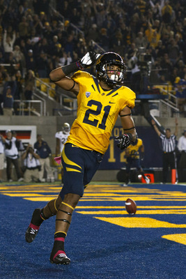 BERKELEY, CA - OCTOBER 06: Wide receiver Keenan Allen #21 of the California Golden Bears celebrates after scoring a touchdown against the UCLA Bruins during the second quarter at California Memorial Stadium on October 6, 2012 in Berkeley, California. (Pho