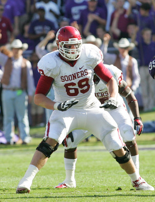 FORT WORTH, TX - DECEMBER 1: Lane Johnson #69 of the Oklahoma Sooners in action against the TCU Horned Frogs at Amon G. Carter Stadium on December 1, 2012 in Fort Worth, Texas. (Photo by Rick Yeatts/Getty Images)