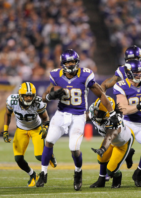 MINNEAPOLIS, MN - DECEMBER 30: Adrian Peterson #28 of the Minnesota Vikings carries the ball during the third quarter of the game against the Green Bay Packers on December 30, 2012 at Mall of America Field at the Hubert H. Humphrey Metrodome in Minneapoli