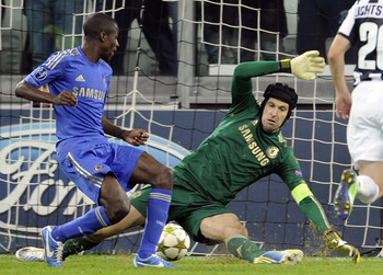 TURIN, ITALY - NOVEMBER 20:  Petr Cech  fails to save as Arturo Vidal of Juventus FC (not in the frame) scores the second goal during the UEFA Champions League Group E match between Juventus and Chelsea FC at Juventus Arena on November 20, 2012 in Turin,