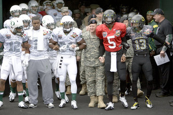 Oregon-ducks-spring-game-2011-camo-jersey-111_display_image