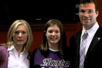 Gilbank (centre) with Daron Richardson's parents, Stephanie and Luke (Image obtained by: http://www.difd.com/events/skate4life-2012-going-coast-to-coast-for-mental-health/)