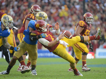 Anthony Barr taking down Matt Barkley.