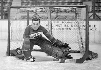 Goaltender Tiny Thompson led the Bruins to their first Stanley Cup in 1929 / greatesthockeylegends.com