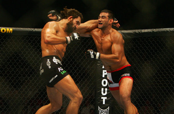 Andrei Arlovski put away many opponents with strong kickboxing skills.