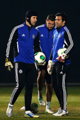 Turnbull in training with Chelsea's first-choice 'keeper Petr Cech.