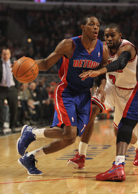 CHICAGO, IL - MARCH 30:  Brandon Knight #7 of the Detroit Pistons moves against C.J. Watson #7 of the Chicago Bulls at the United Center on March 30, 2012 in Chicago, Illinois. The Bulls defeated the Pistons 83-71. NOTE TO USER: User expressly acknowledge