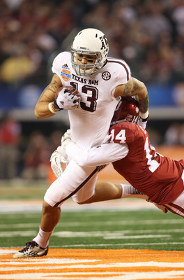 Aaron Colvin led the Sooners with nine tackles against the Aggies.