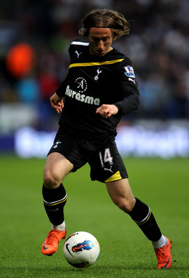 BOLTON, ENGLAND - MAY 02:  Luka Modric of Tottenham Hotspur in action during the Barclays Premier League match between Bolton Wanderers and Tottenham Hotspur at the Reebok Stadium on May 2, 2012 in Bolton, England.  (Photo by Alex Livesey/Getty Images)