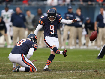 Robbie Gould (9) kicks a game tying field goal against the Seattle Seahawks